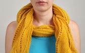 女人戴围巾 — 图库照片