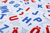 Primer plano de las Letras de alfabeto de aprendizaje — Foto de Stock