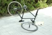 Bike parts in restoration process, outdoors  — 图库照片