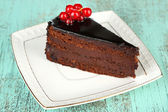 Chocolate cake with fresh berries — Foto Stock