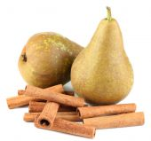 Ripe pears and cinnamon sticks isolated on white — Zdjęcie stockowe