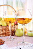 Still life with apple cider and fresh apples on wooden table — Foto Stock