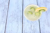 Cucumber cocktail with lemon — Stock Photo