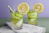Two glasses of cucumber cocktail — Stock Photo