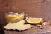 Ginger drink with lemon — Stock Photo