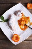 Tasty apricot jam — 图库照片