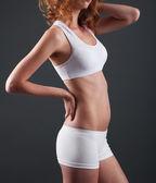 スリムな体を持つ女性 — ストック写真