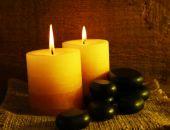 Wellness kameny se svíčkami — Stock fotografie