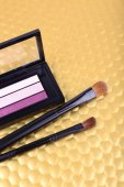 Eye shadow and brushes — Stock Photo