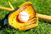 Baseball bat, ball and glove — Stock Photo
