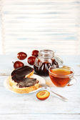 Bread with plum jam — Stock Photo