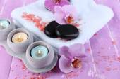 Spa stones and candles — Stock Photo