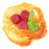 Pancake with fresh berries — Stock Photo
