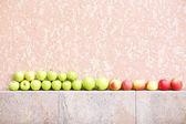 Apples in row — Stock Photo