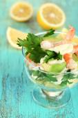 Salad with shrimps and avocado — Stock Photo