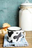 Tasty rustic milk — 图库照片
