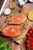 Sabrosos pescados en primer plano de la mesa — Foto de Stock