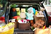 Moving boxes and suitcases — Stock Photo
