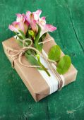Natural style handcrafted gift box — Stock Photo