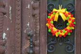 Beautiful wreath of candies — Stock Photo
