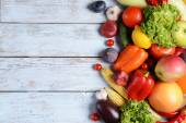 Fresh organic fruits and vegetables — Stock Photo