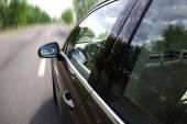 Coche en carretera — Foto de Stock