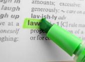 Marker highlighting word — Stock Photo