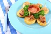 Baked potato with bacon — Stock Photo