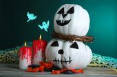 Velas y calabaza de halloween — Foto de Stock