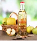 Apple cider vinegar in glass bottles — Foto de Stock