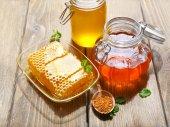 新鮮な蜂蜜 — ストック写真