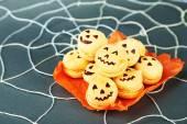 Tasty Halloween macaroons — Stock Photo
