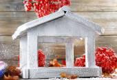 Handmade birdhouse in winter — Stock Photo