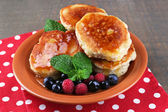 Tasty pancakes with fresh berries — Stock Photo