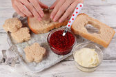 Cooking figured sandwiches close-up — Stock Photo