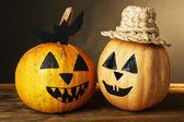 Halloween pumpkins on table — 图库照片
