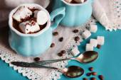 Cups of coffee with marshmallows and sugar on wooden table — Stock Photo