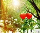Love heart balloons, outdoors — Stock Photo