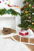 Christmas tree near fireplace — Stock fotografie