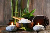 Spa set on wooden surface — Stock Photo