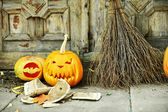 Pumpkin and broom for holiday Halloween — Stock Photo