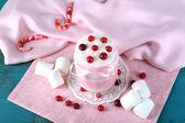 Raspberry milk dessert in glass jar — Zdjęcie stockowe