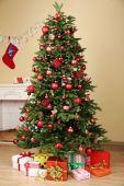 Dekorerad julgran — Stockfoto