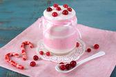 Raspberry milk dessert — 图库照片
