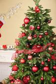 Christmas tree in room — Stockfoto