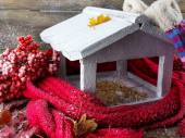 Handmade birdhouse — Stock Photo