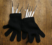 Lock picks with gloves — Stockfoto
