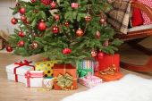 Christmas tree with gifts — Stockfoto