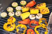 Vegetables on barbecue grill, close-up — Stock Photo