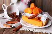Piece of pumpkin pie on plate — Stockfoto